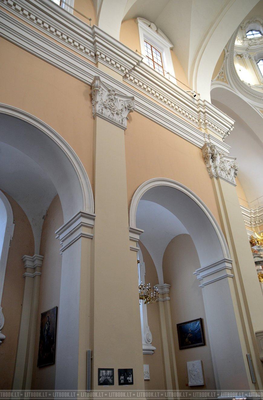 Костёл святого Казимира - убранство внутри