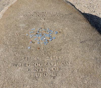 Памятный камень, географический Центр Европы