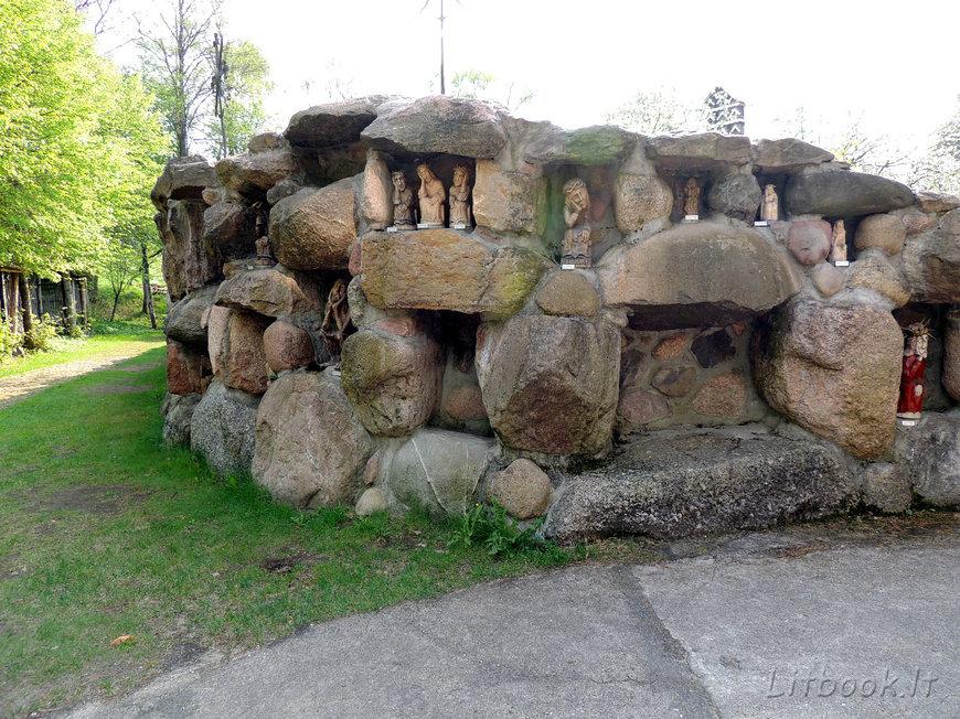 Стена Рупинтойелю (Rūpintojėlis)
