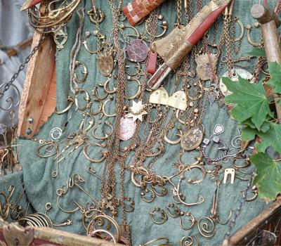 старинные украшения Литва фото