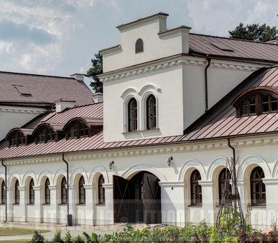 здание на территории ботанического сада в Вильнюсе