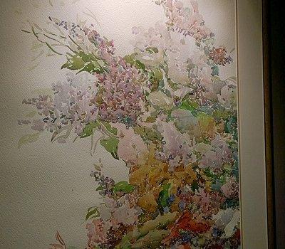 Стены СПА украшают авторские картины