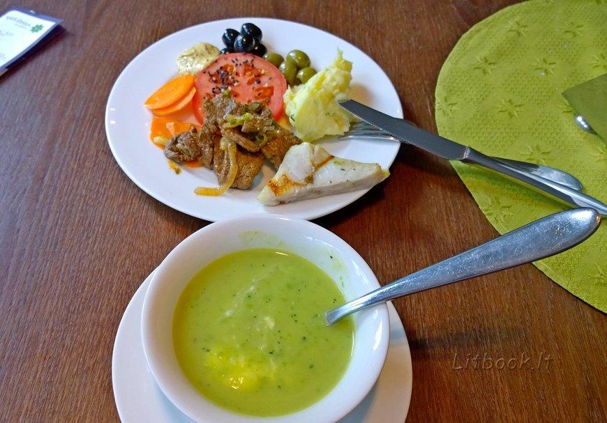 Суп-пюре с брокколи, пюре, оливки, овощи, кусочек рыбы и говядины