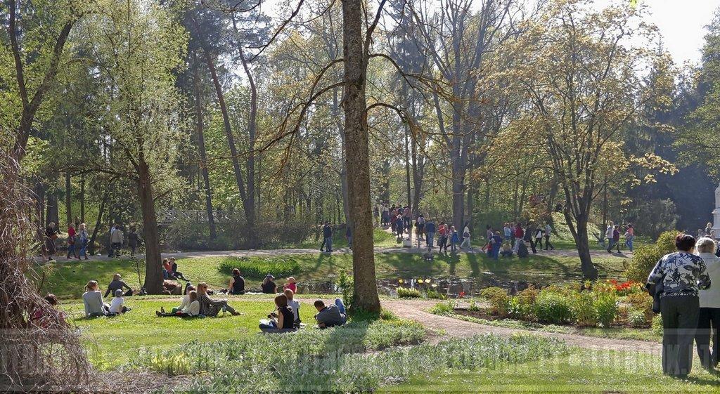 Burbišķu pils un parks