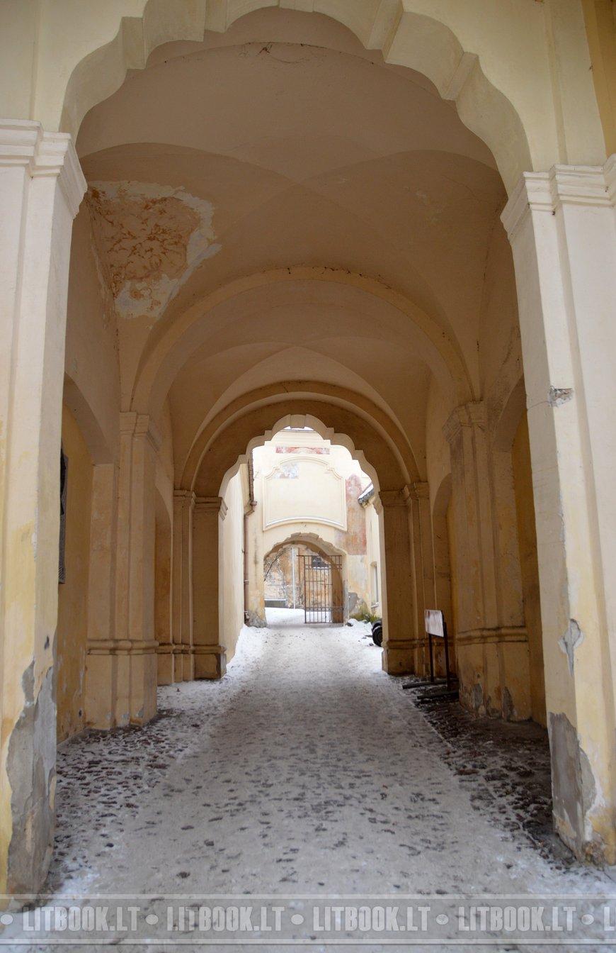 Церковь Святой Троицы и базилианский монастырь в Вильнюсе2