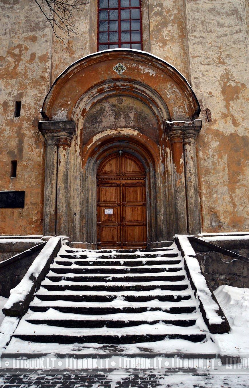 Церковь Святой Троицы и базилианский монастырь в Вильнюсе7