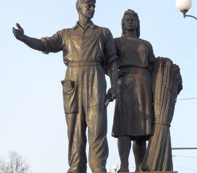 Скульптура Сельское хозяйство на Зелёном мосту Вильнюс